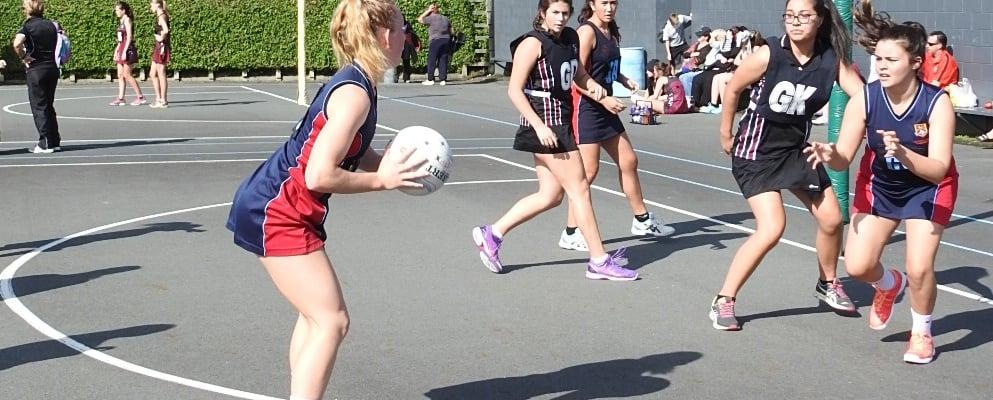 Hamilton City Netball Centre - Saturday Secondary Yr 9 Competition